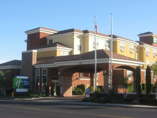Holiday Inn Express - West Sacramento: Hotel Exterior- Holiday Inn Express-West Sacramento