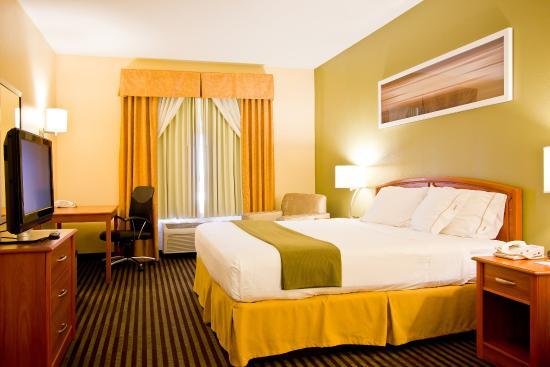 Bastrop, TX: King Bed Guest Room