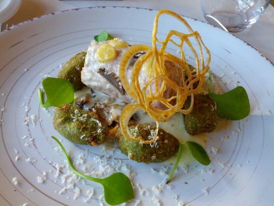 Senonches, Γαλλία: Filet Orloff et ses gnocchis d'épinard.