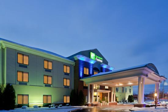 Newton Falls, OH: Hotel Exterior