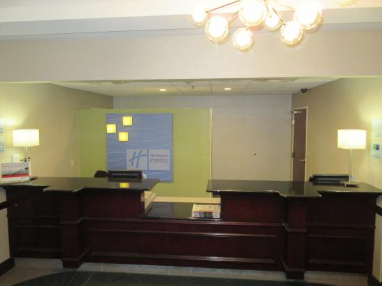 North Lima, OH: Front Desk