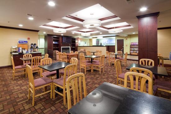 Lawrenceburg, IN: Breakfast Area