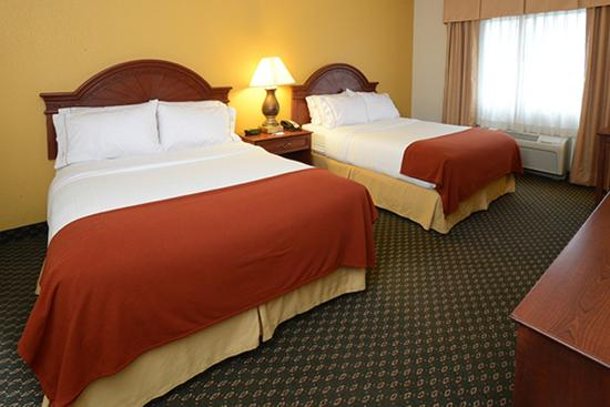 Middletown, OH: Double Bed Guest Room