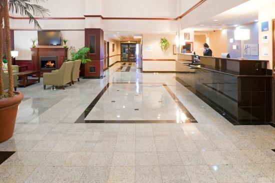 Holiday Inn Express Round Rock: Hotel Lobby