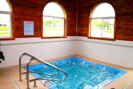 Lincoln, IL: Sit back and relax in our extra large whirlpool!