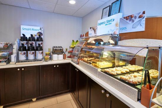 Pelham, AL: Hot Breakfast Bar