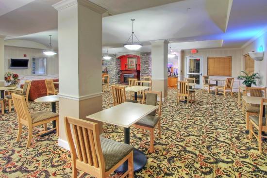 Portales, NM: Breakfast Area