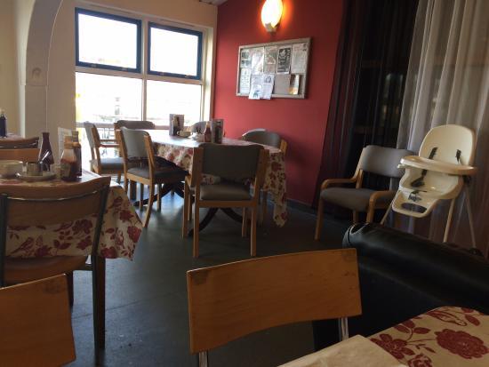 Pensilva, UK: Tables at Angie's