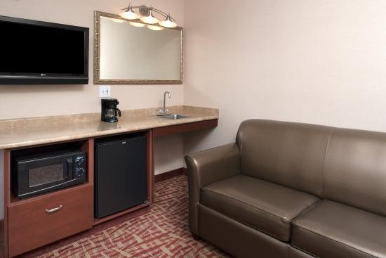 Spokane Valley, WA: Parlor Suite living area