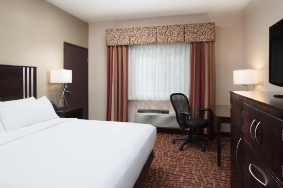 Spokane Valley, WA: ADA/Handicapped accessible King Guest Room with mobility tub
