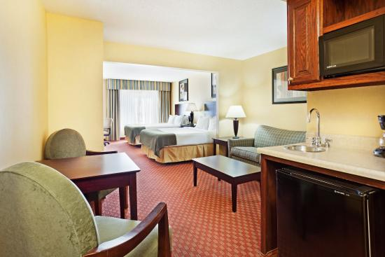 Pikeville, KY: Queen Suite