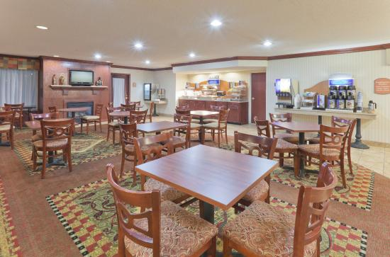Rensselaer, IN: Breakfast Bar