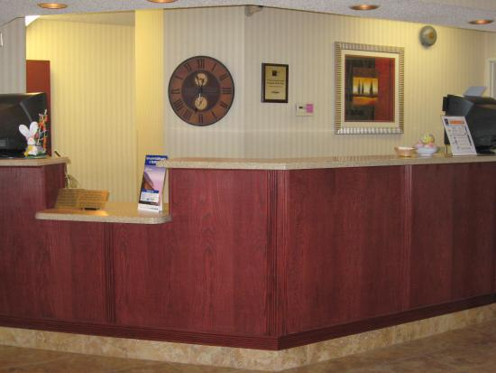 Rensselaer, IN: Front Desk