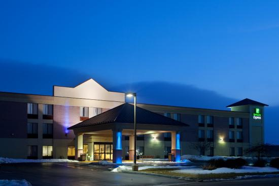 Photo of Holiday Inn Express Racine (I-94 @ Exit 333) Sturtevant