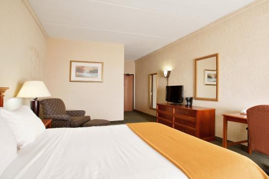 Sturtevant, WI: Single Bed Guest Room