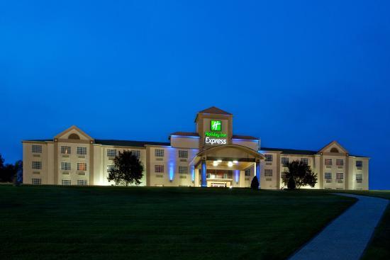 Delmont, بنسيلفانيا: Hotel Exterior