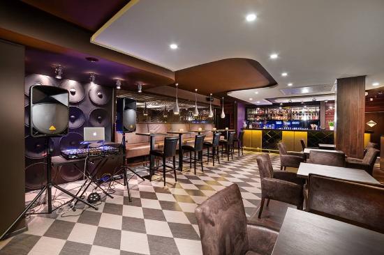 "Rezekne, Letonya: Bar-restaurant ""GURU"""
