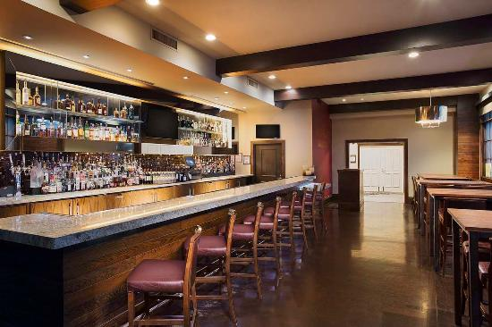 Cupertino, CA: Park Place Bar