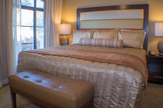 Scottsdale Camelback Resort: Barcelona Master Bed