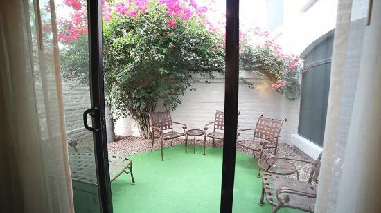 Scottsdale Camelback Resort: Barcelona Patio