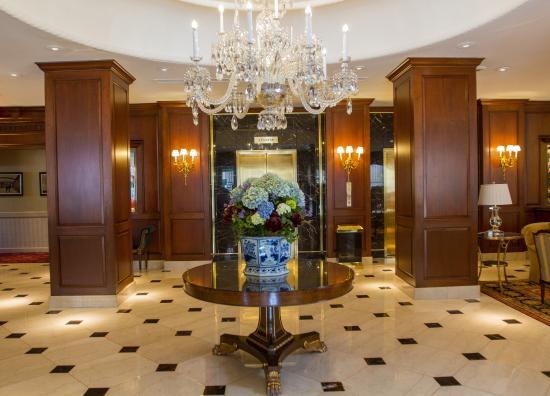 Birmingham, Μίσιγκαν: Elevator Bank