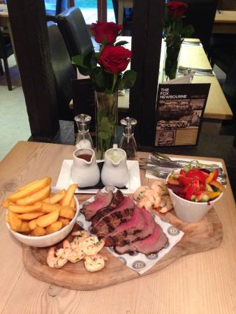 Woodbridge, UK: Sharing Surf 'n' Turf