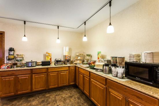 Quality Inn & Suites Goldendale: Breakfast