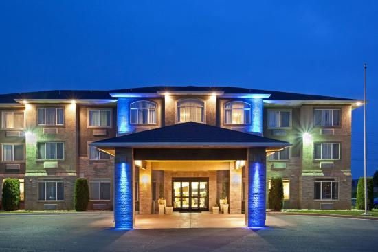 American Fork, UT: Hotel Exterior