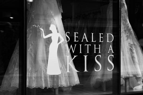 Charlottesville, VA: Sealed With A Kiss