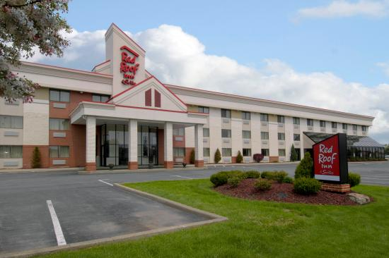 Photo of Red Roof Inn & Suites Cleveland - Elyria