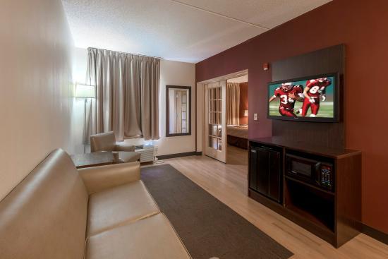 Westbury, NY: Suite