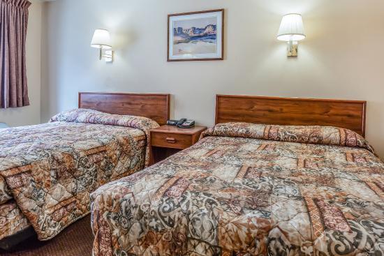 Salina, UT: Guest Room