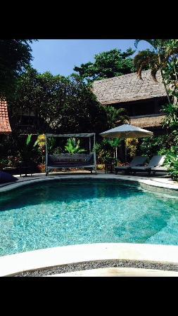Bali Hotel Pearl: swimming pool