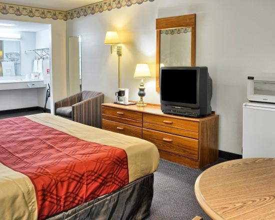 Econo Lodge Ruther Glen: Guest Room