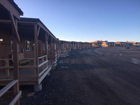 Peach Springs, AZ: comfortable, quiet, great views!