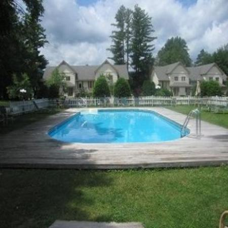 Jackson, NH: Wentworth - Outdoor heated pool