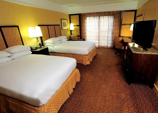 Hilton Stockton: Double Beds With Easy Chair