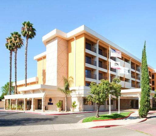 Hilton Stockton Exterior