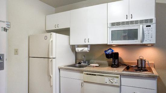 Round Rock, TX: Studio Suite Kitchen