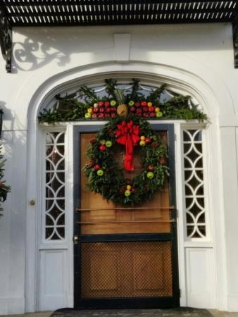 Mount Pleasant, SC: Door during christmas