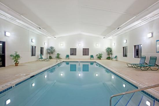 Lincolnshire, IL: Swimming Pool
