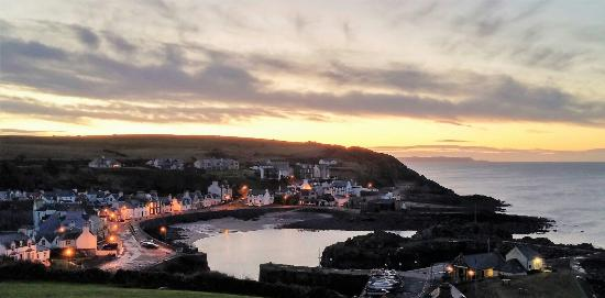 The Portpatrick Hotel: Grand looking Hotel with magnificent views