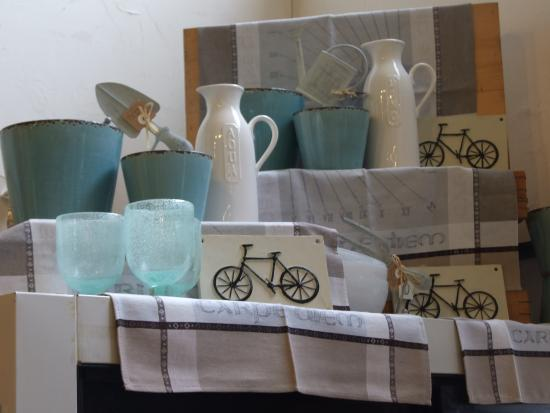 Surrey, Canada: Linens and giftware