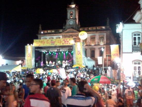 a7e6f1a874 Praça Tiradentes à noite