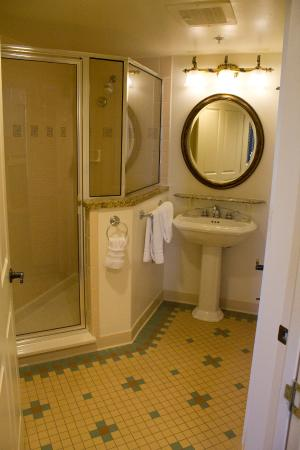 Bathroom of our Two-Bedroom Villa - Picture of Disney\'s Saratoga ...