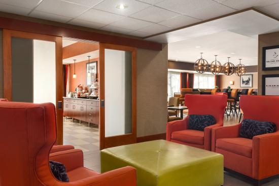 Westminster, CO: Hotel Seating Area