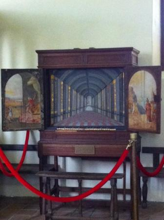 Smithfield, VA: unique parlor organ