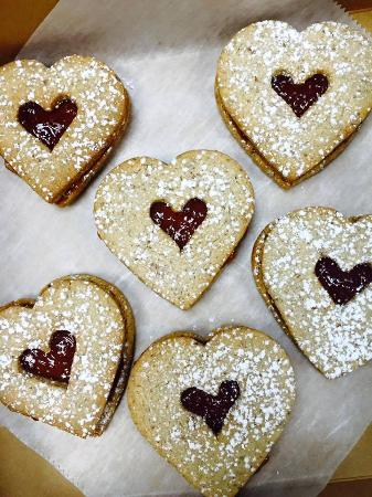 Wilton Manors, FL: Raspberry Linzer cookies