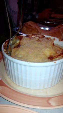 L'auberge savoyarde, Lyon - La tartiflette copieuse mais écoeurante avec ses tranches de lard