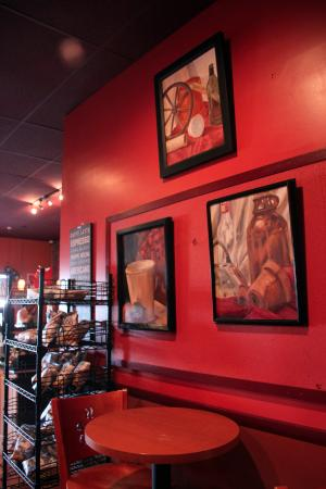 Charlotte Hall, MD: Interior of Cool Beanz. Warm and friendly!